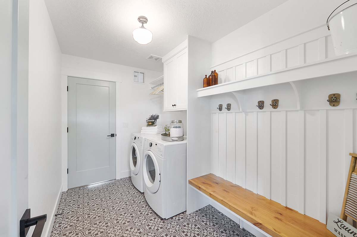 Herron Custom Home Laundry Room